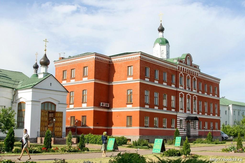 Братский корпус Спасо-Преображенского монастыря