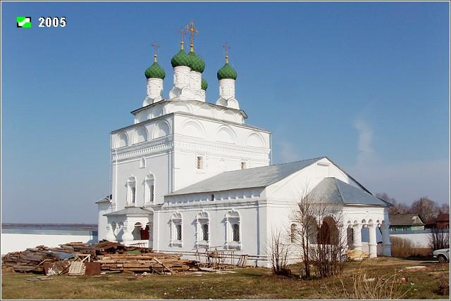 Один из монастырей в районе Вязников