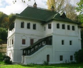 Дом Опариных