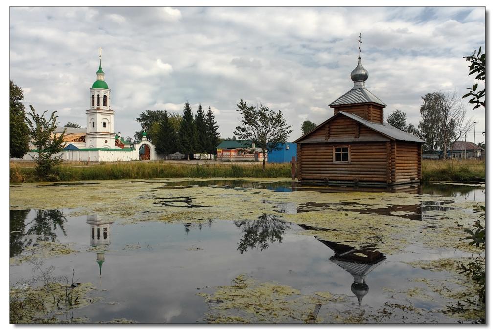 Муромский район, с.Лазарево. Часовня во имя св.Иулиании Лазаревской, церковь во имя Архистратига Михаила.