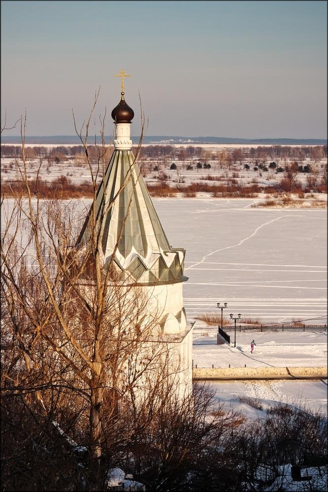 Над окой - Космодемьянская церковь