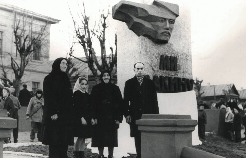 На открытии памятника