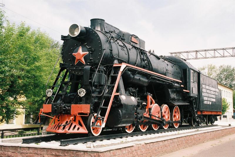 Паровоз серии Л-2248 на Привокзальной площади Мурома (Коломенский паровозостроительным завод им. Куйбышева, 1953 год)
