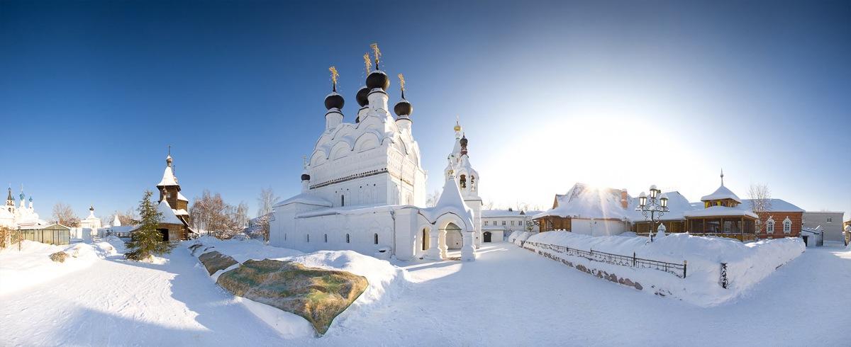 Свято-троицкий монастырь. Фотограф - Роман Баринов http://www.romanbarinov.ru/