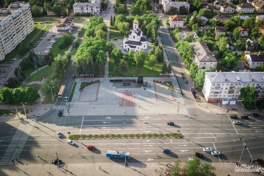 Вид на Площадь Победы, остановка Буревестник
