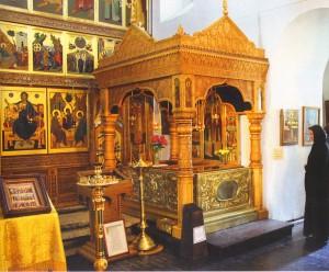 Мощи свв. благоверных Петра и Февронии Муромских в Троицком соборе_новый размер