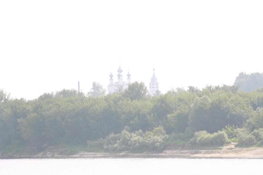 Монастырь над Окой