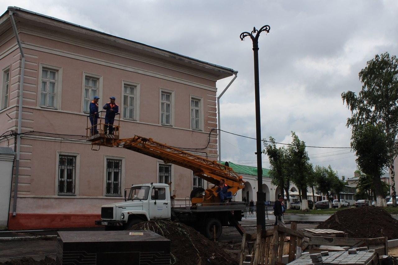 Установка памятника Зворыкину в Муроме 3