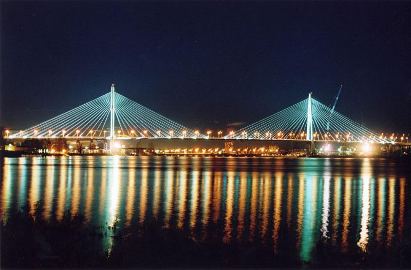 Большой Обуховский мост через реку Нева