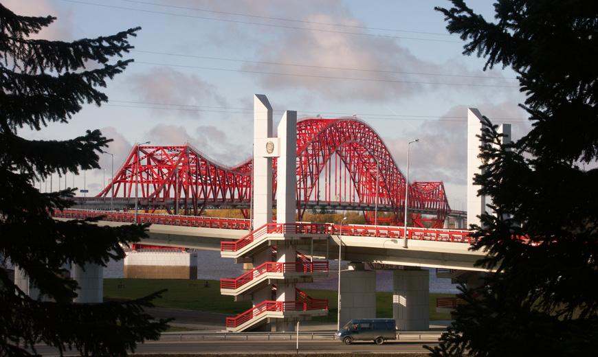 Мост через реку Иртыш в Ханты-Мансийске