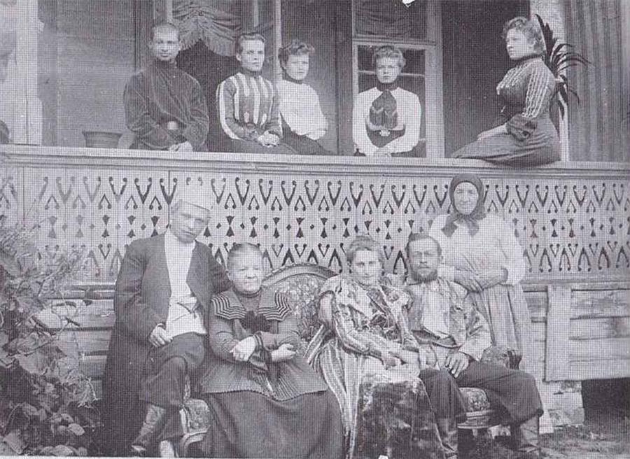 А.Дубенский в кругу семьи