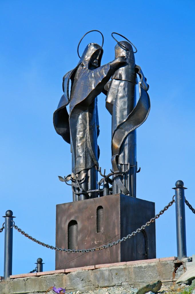 Памятник Петру и Февронии Муромским в Нижнем Тагиле. Фотограф - S42