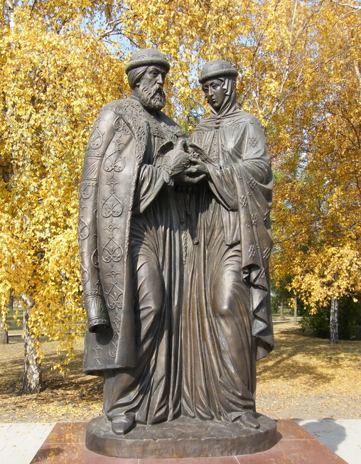 Памятник Петру и Февронии в Иркутске