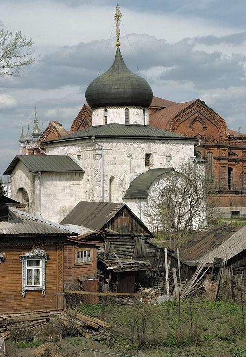 Георгиевский собор в Юрьев-Польском — всемирно известный памятник. Автор - Сергей Груздев.
