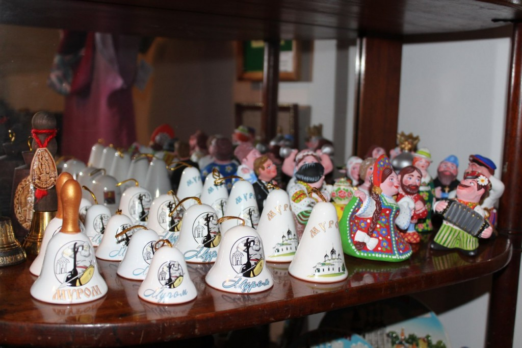 Муромские сувениры - колокольчики и фигурки