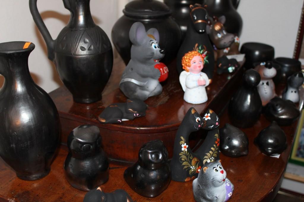 Муромские сувениры - фигурки и миниатюрная посуда