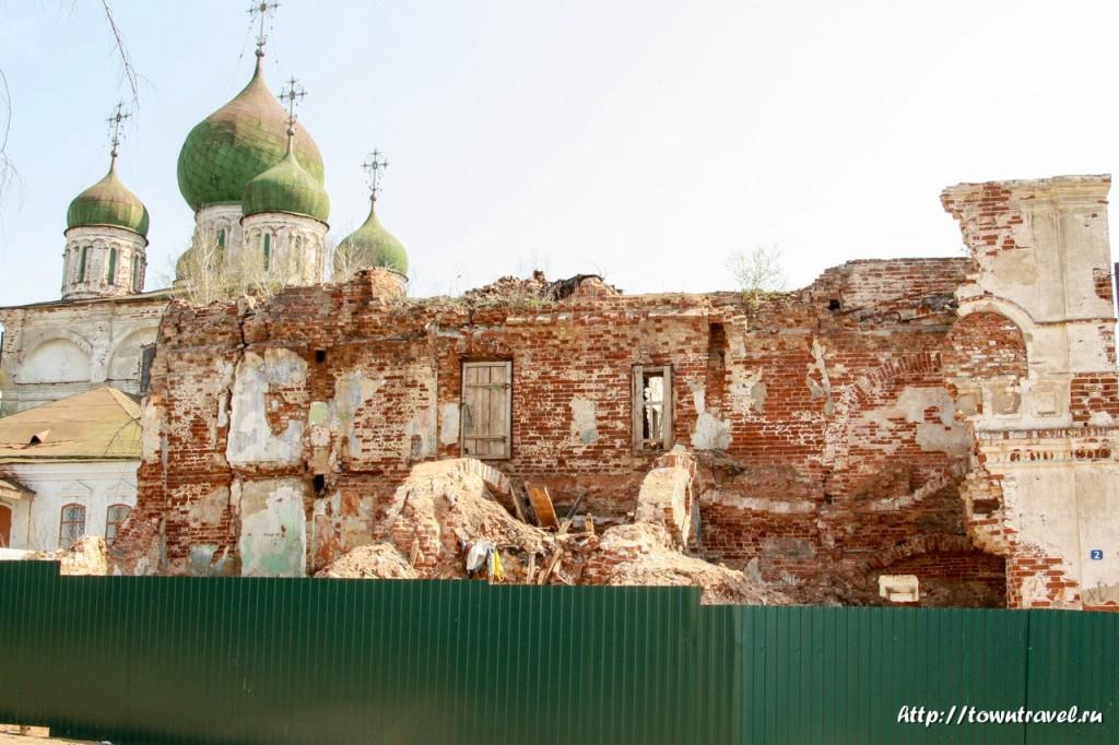 1815-Спасо-Преображенский-собор-Арзамаса-и-разрушеное-здание