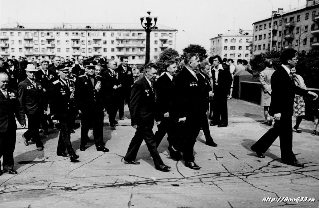9 Мая на Вербовском. Ветераны на площади Прокуророва