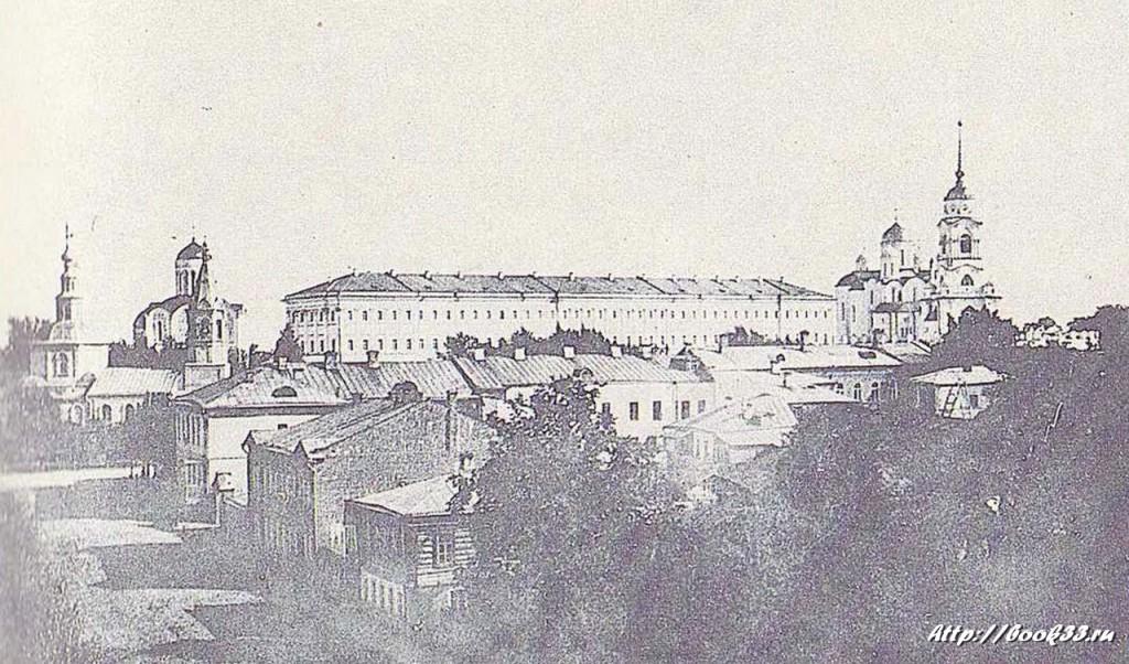 Город Владимир на старой открытке. Вид на кремль