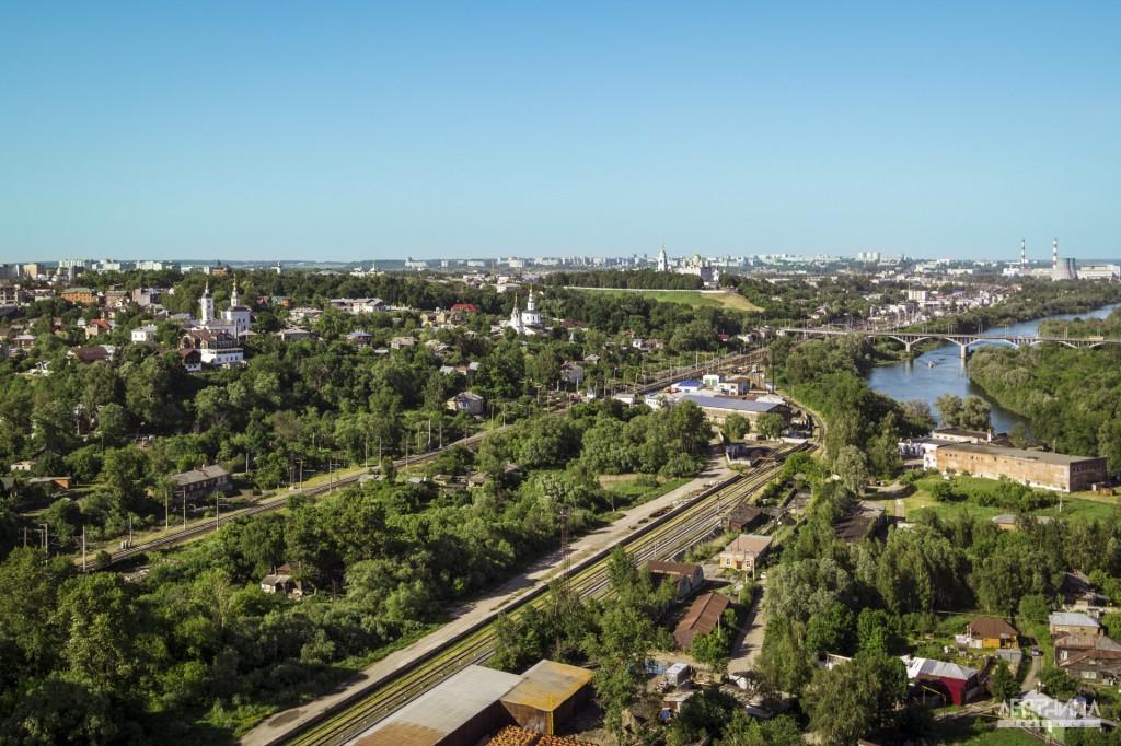 Город Владимир с высоты птичьего полета. Железная дорога.