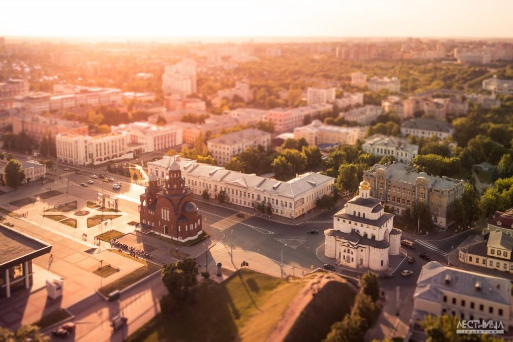 Город Владимир. Соборная площадь и золотые ворота с высоты птичьего полета