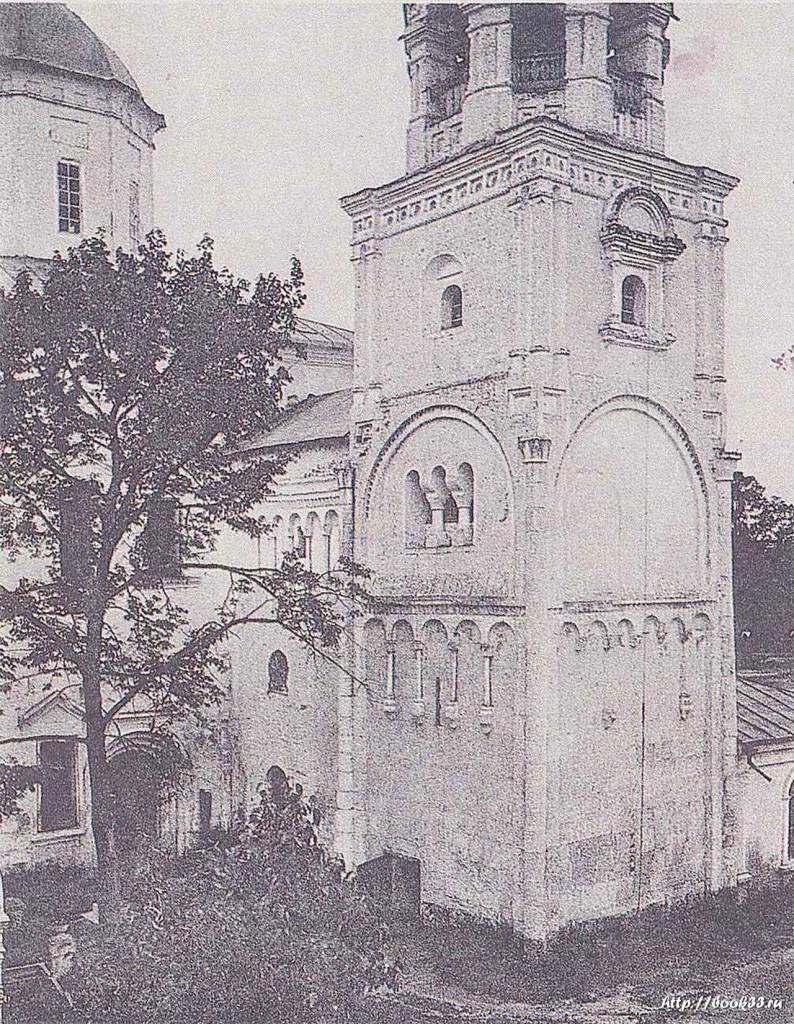 Остатки палат князя Андрея Боголюбского