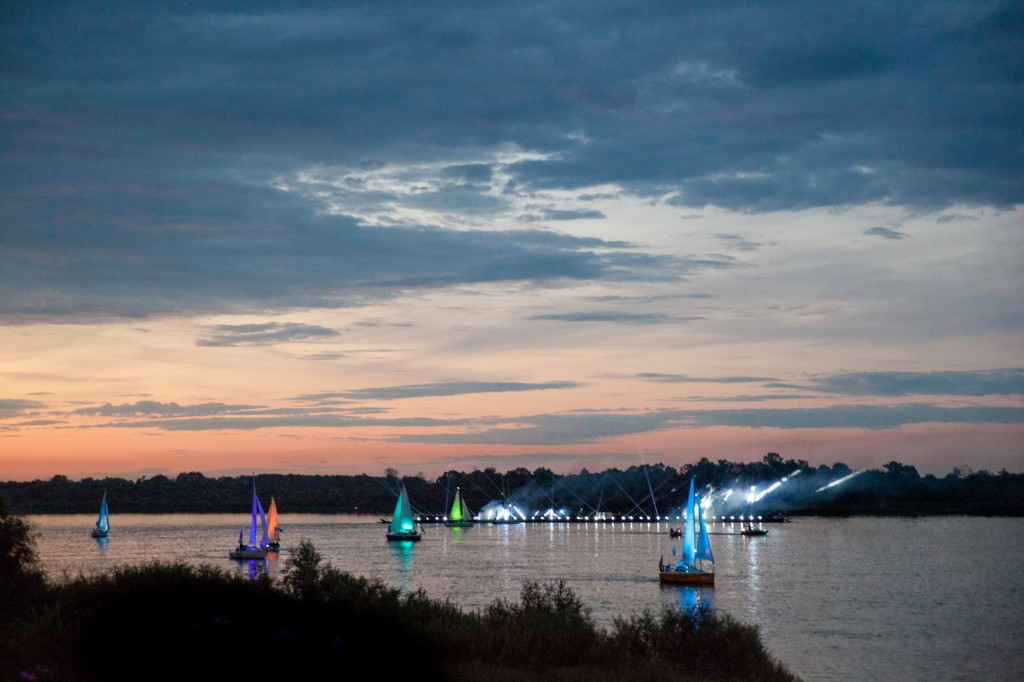 Река Ока 2014 на празднике в День семьи любви и верности в Муроме 02