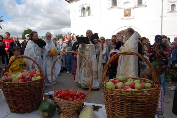 Яблочный спас в Суздале