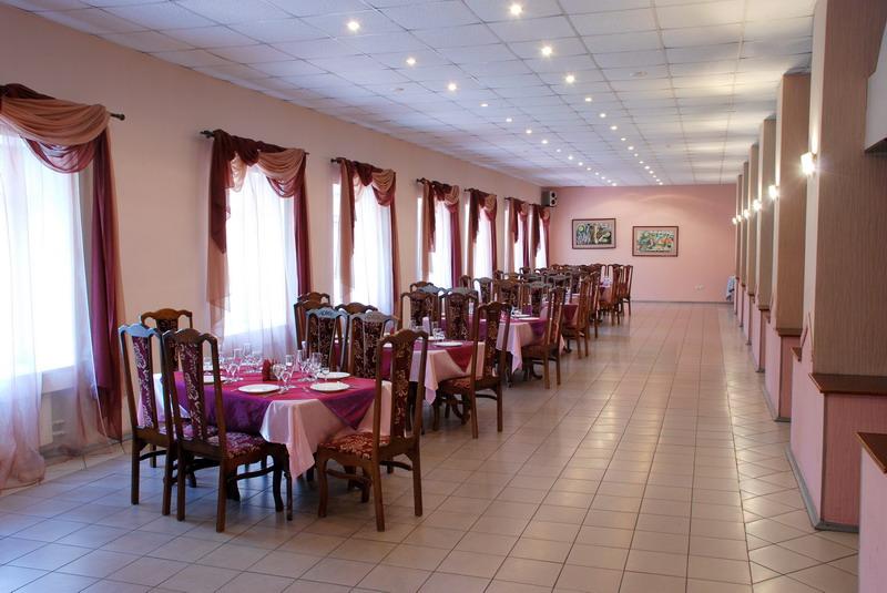 "Ресторан в гостинице ""Баринова Роща"""