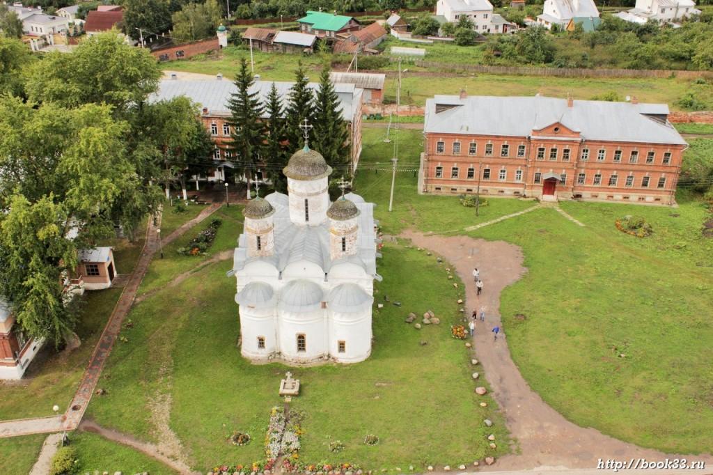 Ризоположенский монастырь Суздаля с высоты