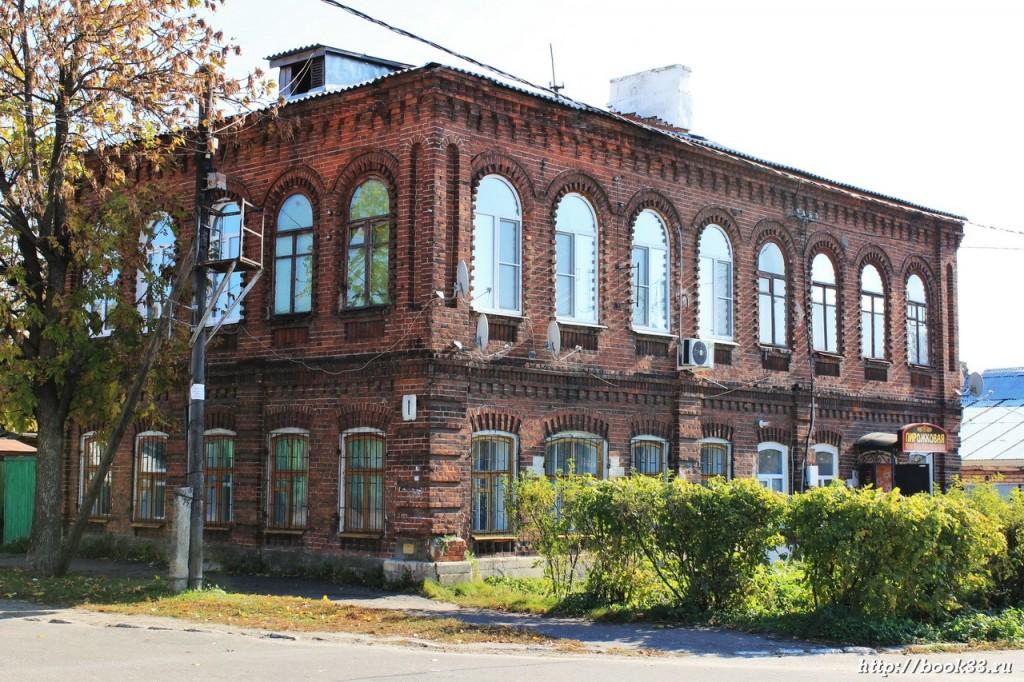 Муром, ул. Плеханова, 1. Здание трактира Рассадина, конец XIX-XX в. (местного значения)