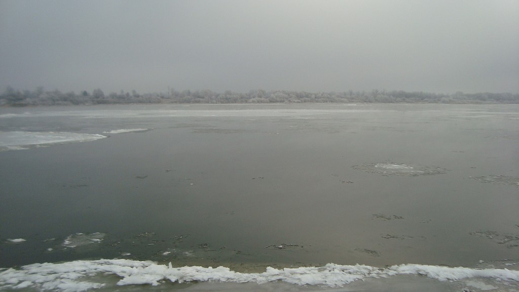 Очень морозный Муром. Осенний ледоход 02