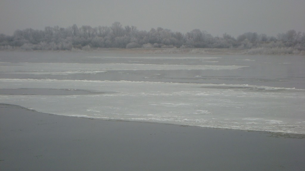 Очень морозный Муром. Осенний ледоход 03