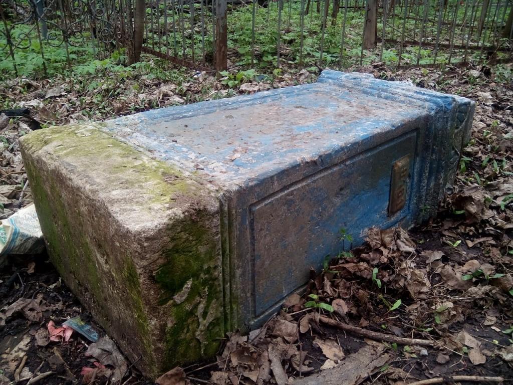 Красота и ужас Князь-Владимирского кладбища 06