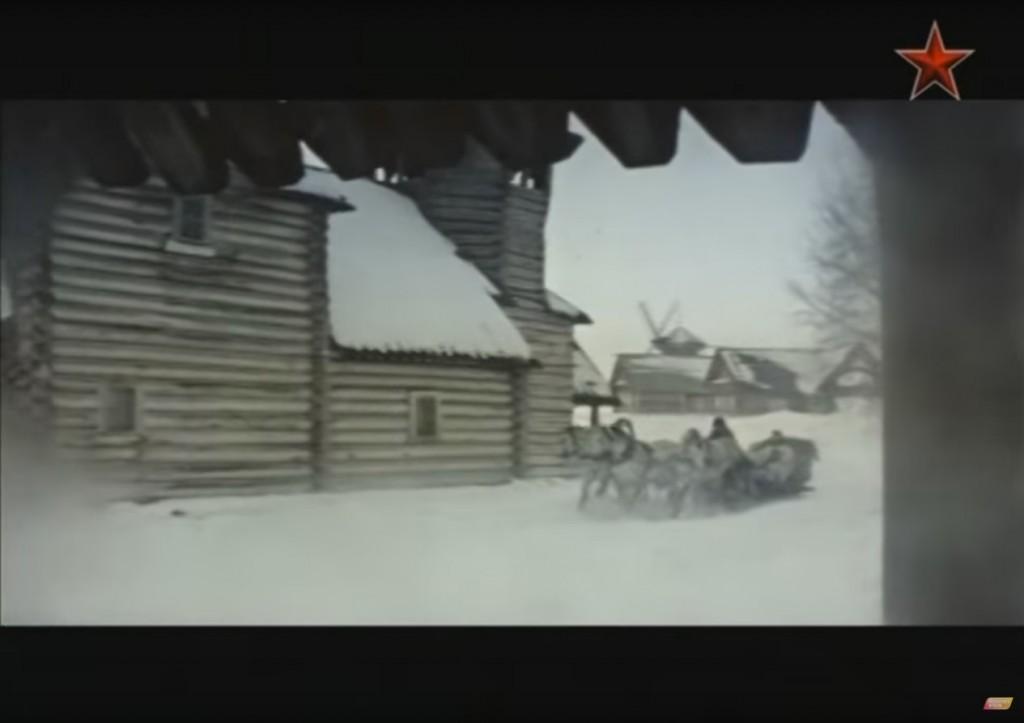 """Кадр из фильма """"Серебряное ревю"""". Суздаль"""