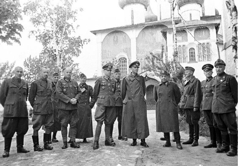 23 мая 1943 г. Место съемки: Суздаль (Спасо-Евфимиевый монастырь)