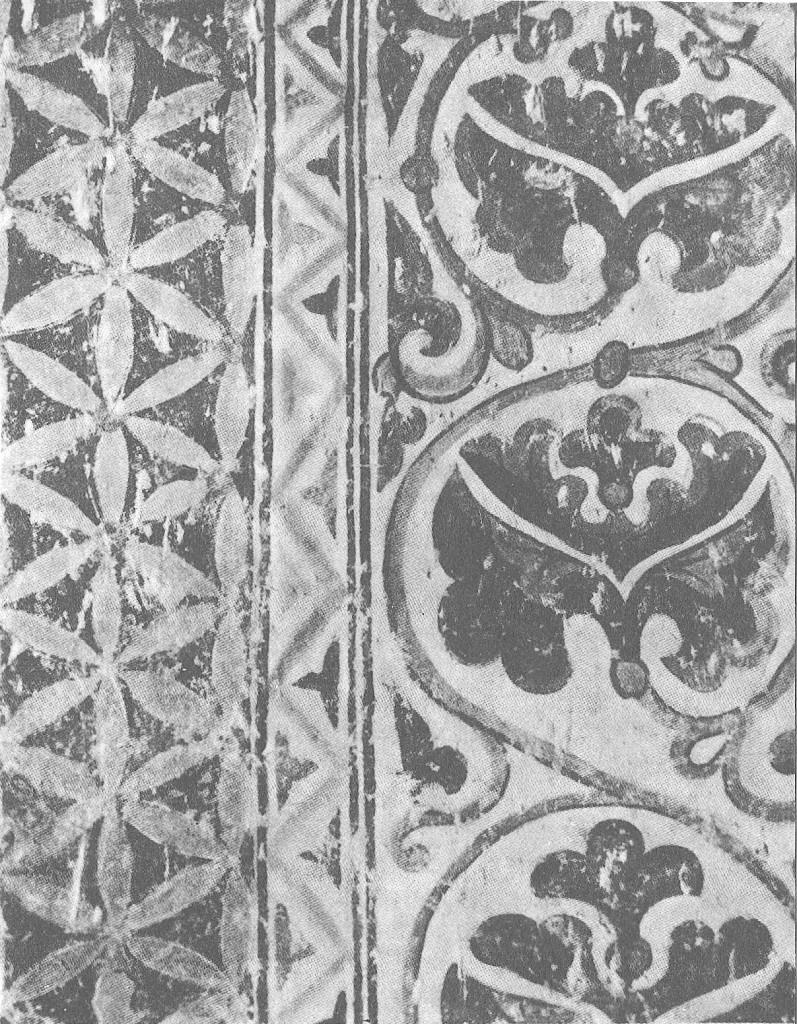 Фрагмент орнаментальной росписи 1233 года в диаконнике суздальского собора