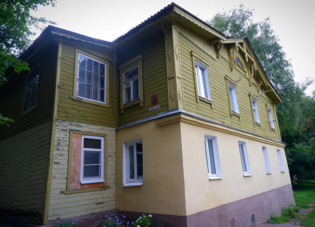 Дом дешёвых квартир купцов Лосевых на Годовой горе во Владимире 02