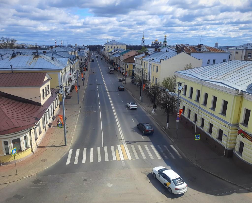 ул. Большая Московская. Вид из Золотых ворот.